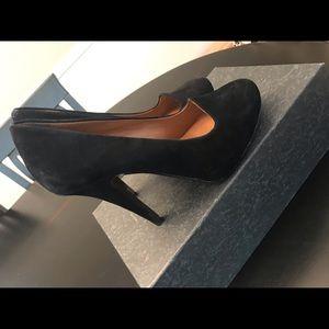 Cynthia Rowley Black faux suede heels